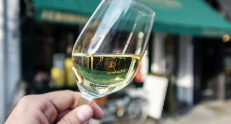 Independent Wine Retailers March On